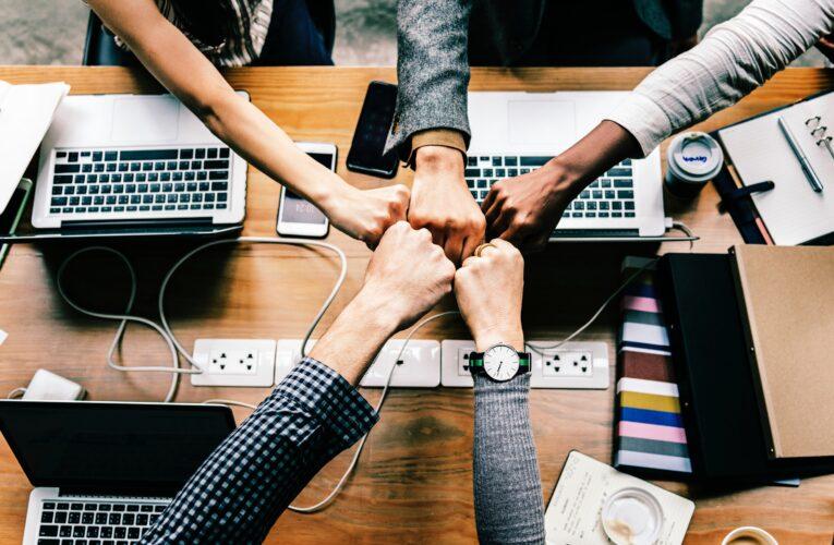 Med kontorrengøring opnår du det bedste indeklima for dine medarbejdere